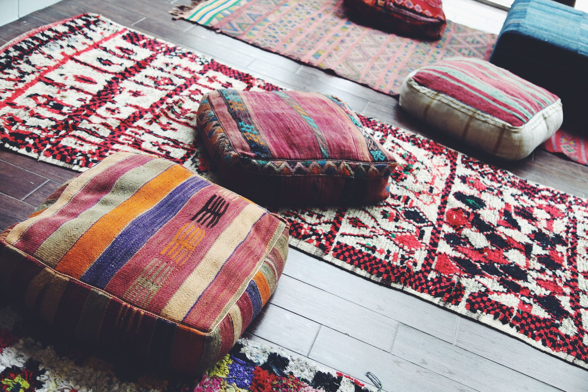 sitting pillows on rugs