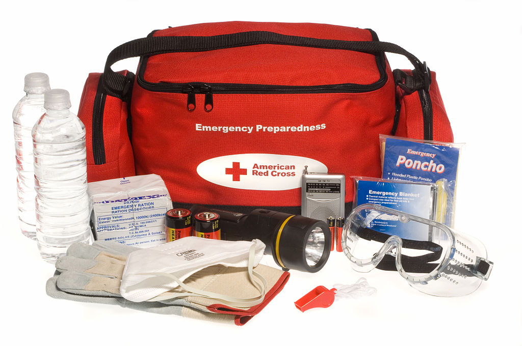Emergency tool kit to keep in your car for summer road trip