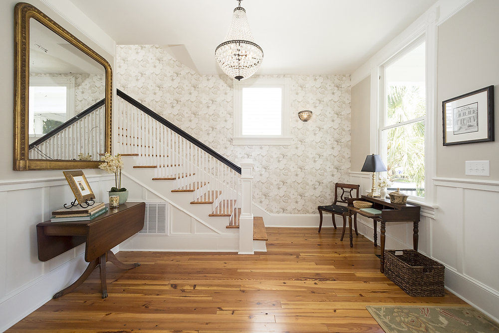 entry room staircase