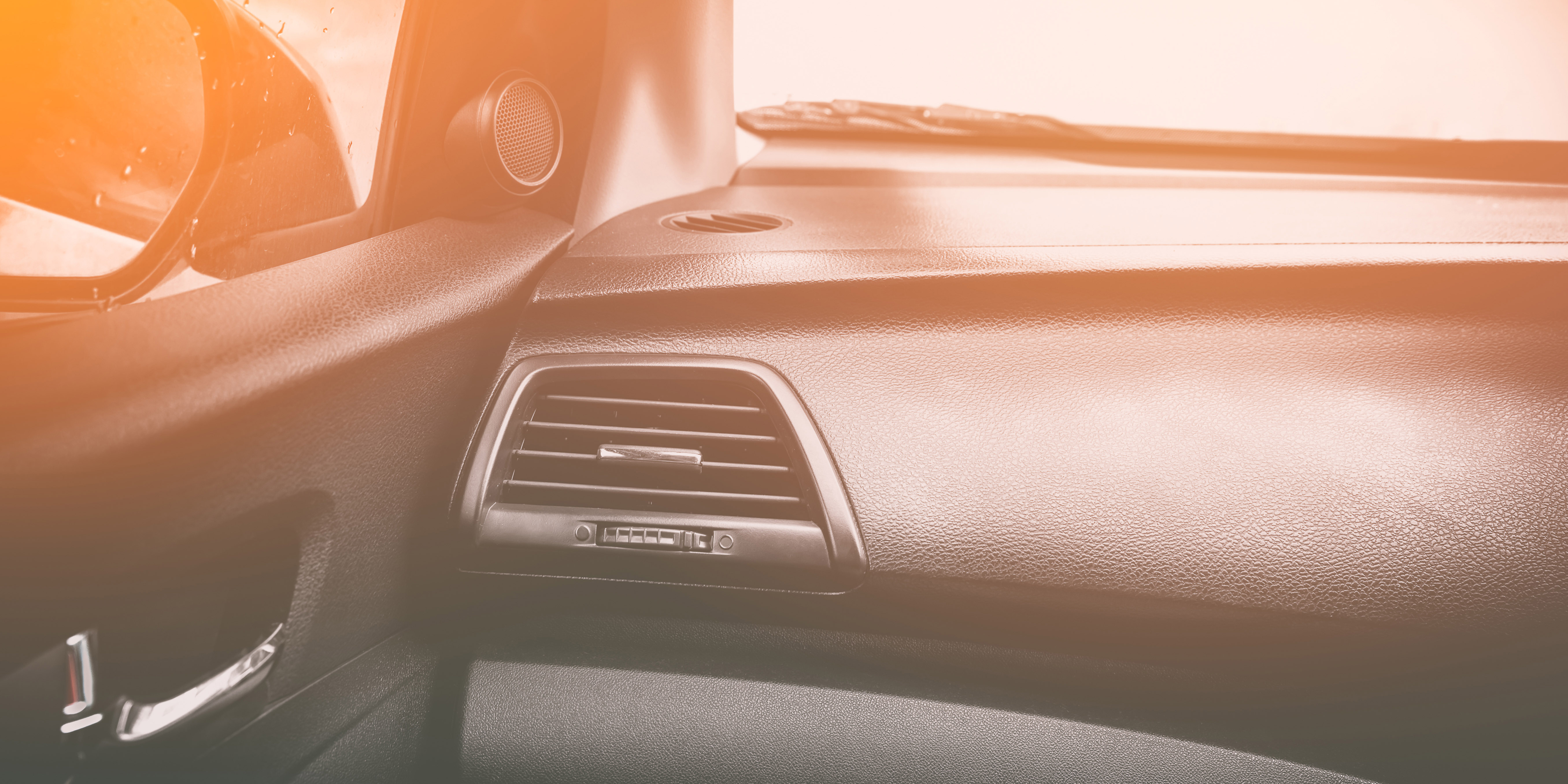 Car air conditioning system, Air Conditioner in front of car