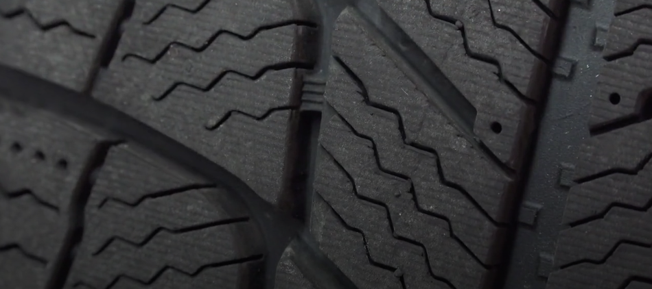 winter tires zigzag sipes
